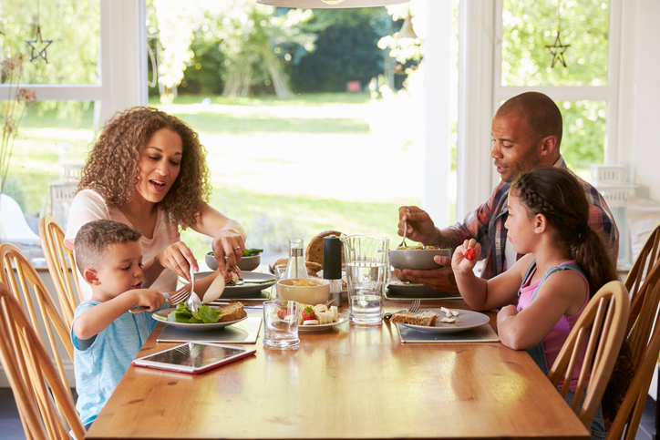 Family Meals Are A Key Component Of Healthy Living But Our On The Go Lifestyles Often Mean Eating Too Regular Fast Food Diet Can Lead To